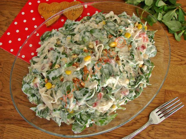 Öğünlerinizi Lezzet Şölenine Çevirin : Tavuklu Semizotu Salatası