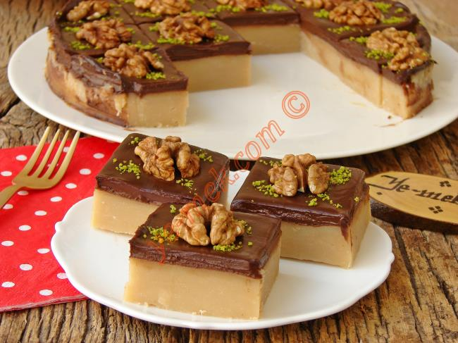 Un Helvasını Bir De Böyle Deneyin : Çikolata Soslu Un Helvası