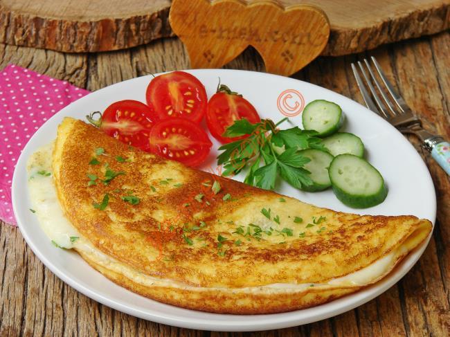 Börek Tadında, Puf Puf Kabaran, Enfes Bir Lezzet : Kabartma Tozlu Omlet