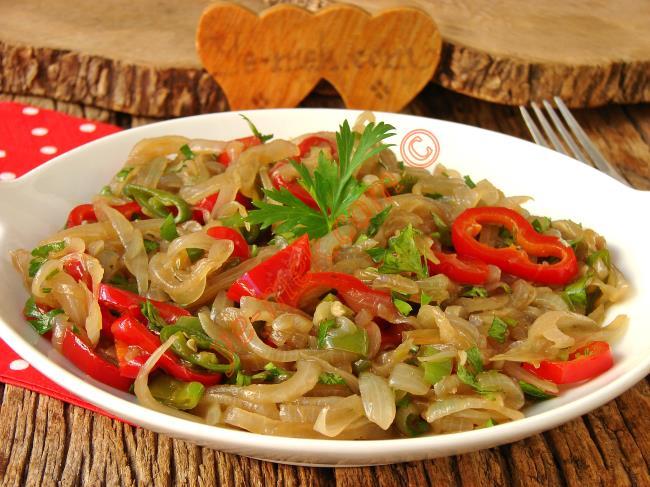 Yedikçe Yedirtecek, Enfes Bir Lezzet : Pişmiş Soğan Salatası